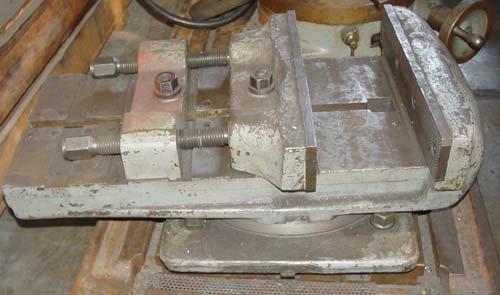 "15"" Machine Vise FOR SALE on Swivel Base"